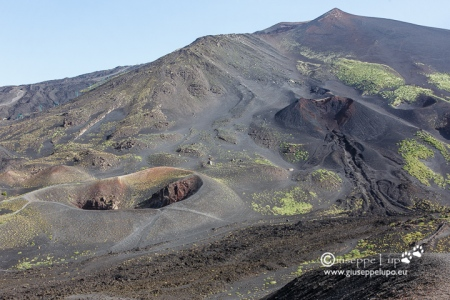 Mt. Etna 3,329 m (10,922 ft)