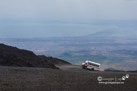 driving up to 2950 m peak craters