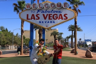 3h before the match with Elvis and FC Bayern jersey at the FAB Vegas sign