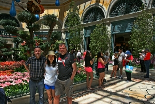 with Karsten und Zhen in Bellagio Garden