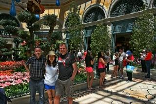 with Karsten und Zhen in Bellagio Garden