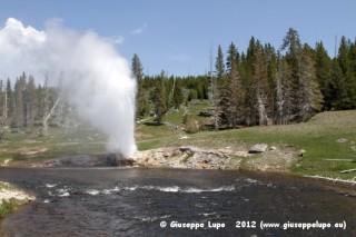 Lakeside Geysir eruption